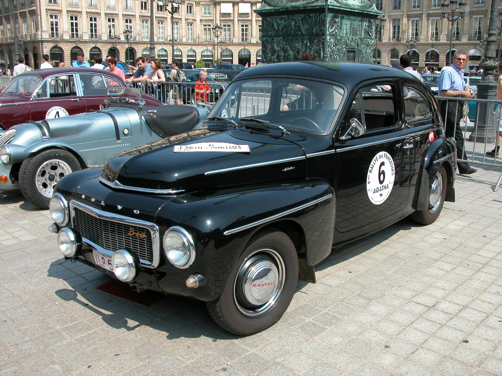 http://photo-voiture.motorlegend.com/high/volvo-pv-544-7568.jpg