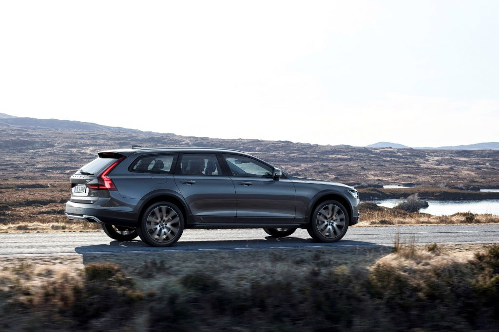 VOLVO V90 CROSS COUNTRY  break 2017