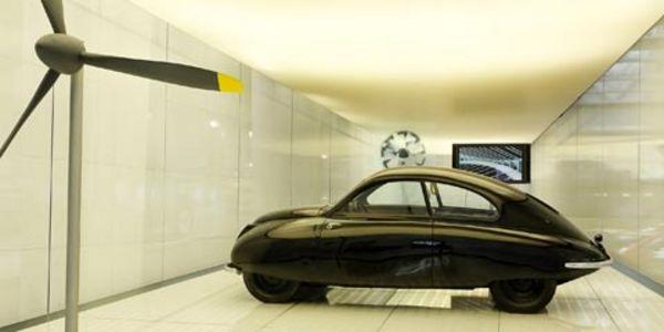 Saab, l'avionneur qui construisait des automobiles