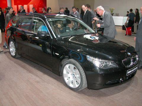 galerie photo BMW (E61 Touring) 545i V8 333ch