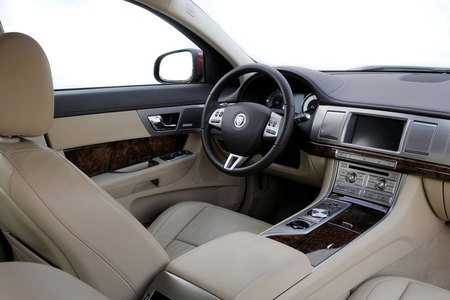 essai jaguar xf sv8 2008. Black Bedroom Furniture Sets. Home Design Ideas