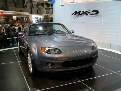 essai mazda mx 5 1 8 cabriolet nc 2005. Black Bedroom Furniture Sets. Home Design Ideas