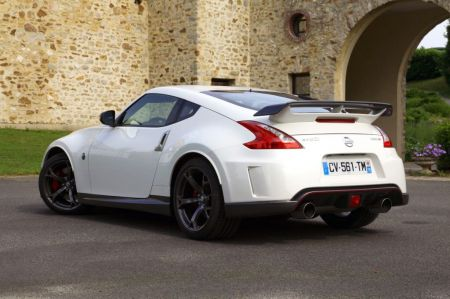essai nissan 370z nismo 2013. Black Bedroom Furniture Sets. Home Design Ideas