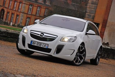 galerie photo OPEL (I) 2.8 V6 Turbo OPC 325 ch Sports Tourer