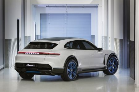 galerie photo PORSCHE MISSION E CROSS TURISMO