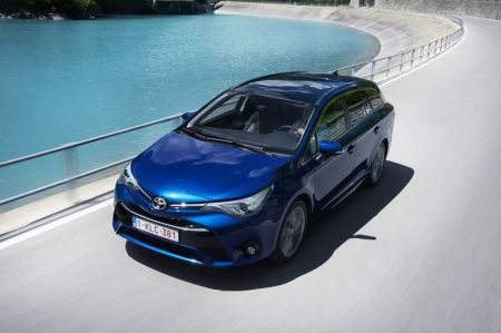 galerie photo TOYOTA AVENSIS